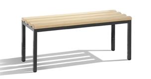 Freistehende Sitzbank mit 4 Füßen von C+P